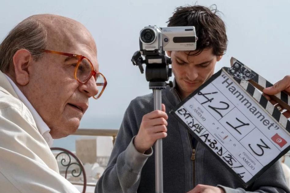 Hammamet, Favino identico a Craxi nelle prime foto ufficiali del film di Gianni Amelio dal 9 gennaio al cinema
