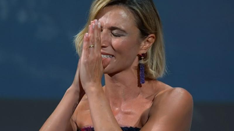 Anna Foglietta si commuove nel discorso finale a Venezia 77 cerimonia di chiusura