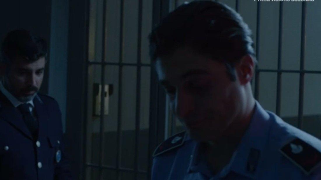 Lino Guanciale nell'ultima puntata di Mare Fuori VIDEO