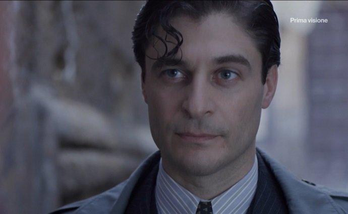 Il Commissario Ricciardi ascolti tv 25 gennaio 2021: Lino Guanciale conquista più di 5 milioni e mezzo di telespettatori nella prima puntata