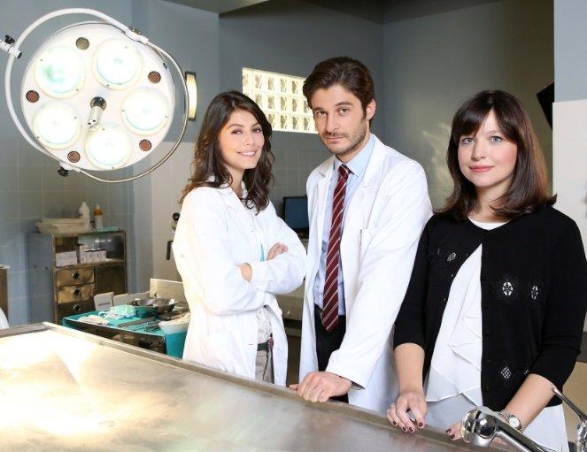 Lino Guanciale e Alessandra Mastronardi foto di scena sul set de L'Allieva