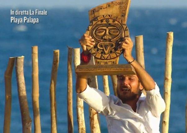 L'Isola dei Famosi replica finale 2021 in tv e in streaming, quando rivedere l'ultima puntata su La5 e Mediaset Extra