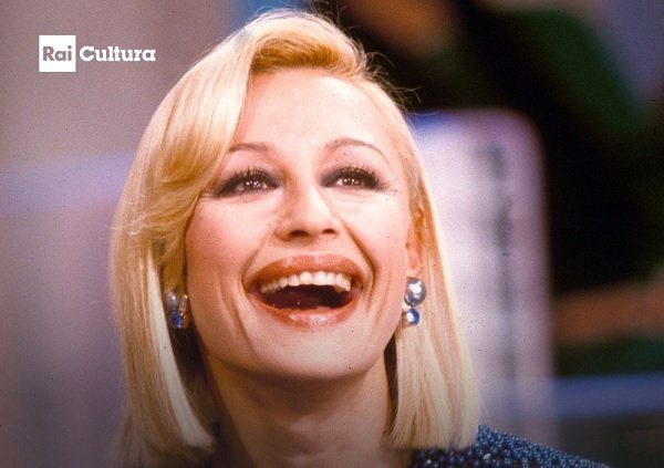 Raffaella Carrà programmazione tv. L'omaggio di Rai, Mediaset e Sky alla signora dello spettacolo italiano