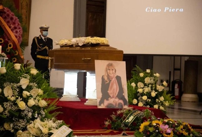 piera-degli-esposti-funerali