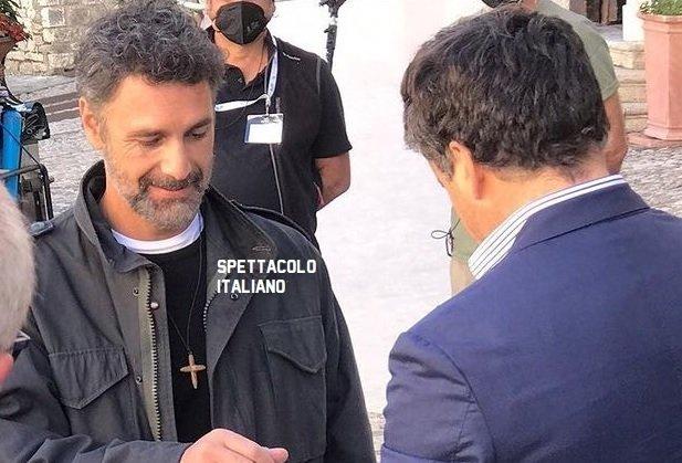 Don Matteo 13 Raoul Bova arriva a Spoleto FOTO: primo giorno di set per Don Massimo