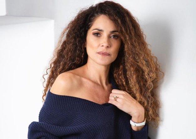 Viola come il mare protagonisti: Simona Cavallari insieme a Can Yaman e Francesca Chillemi